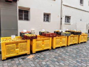 フランスのりんごの品種とお店の様子